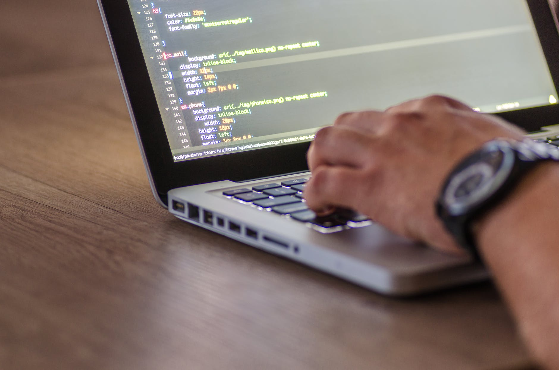 5 Key Security Features Integrated in Professional Class Development Software
